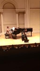 Carnegie Hall concert, Annette Scholten lame sonore) en Nanke Flach piano)